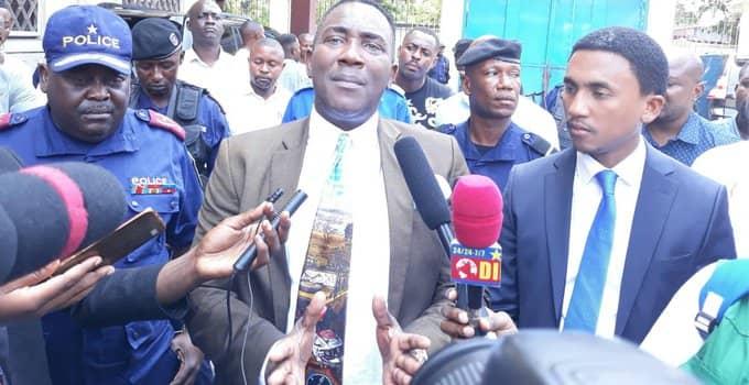 RDC: Gentiny Ngobila décide  Gode Mpoy proteste