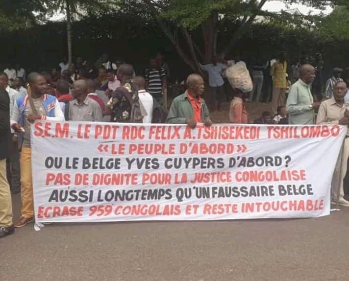 RDC: Les agents de la Banque Commerciale du Congo réclament la tête du directeur général.