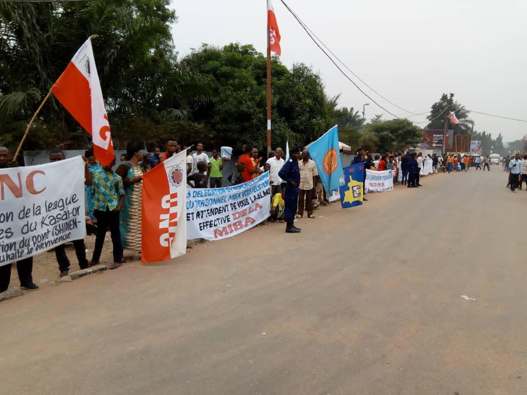 Kasaï oriental : Mobilisation à l'aéroport de Bipemba pour l'accueil de Kamerhe