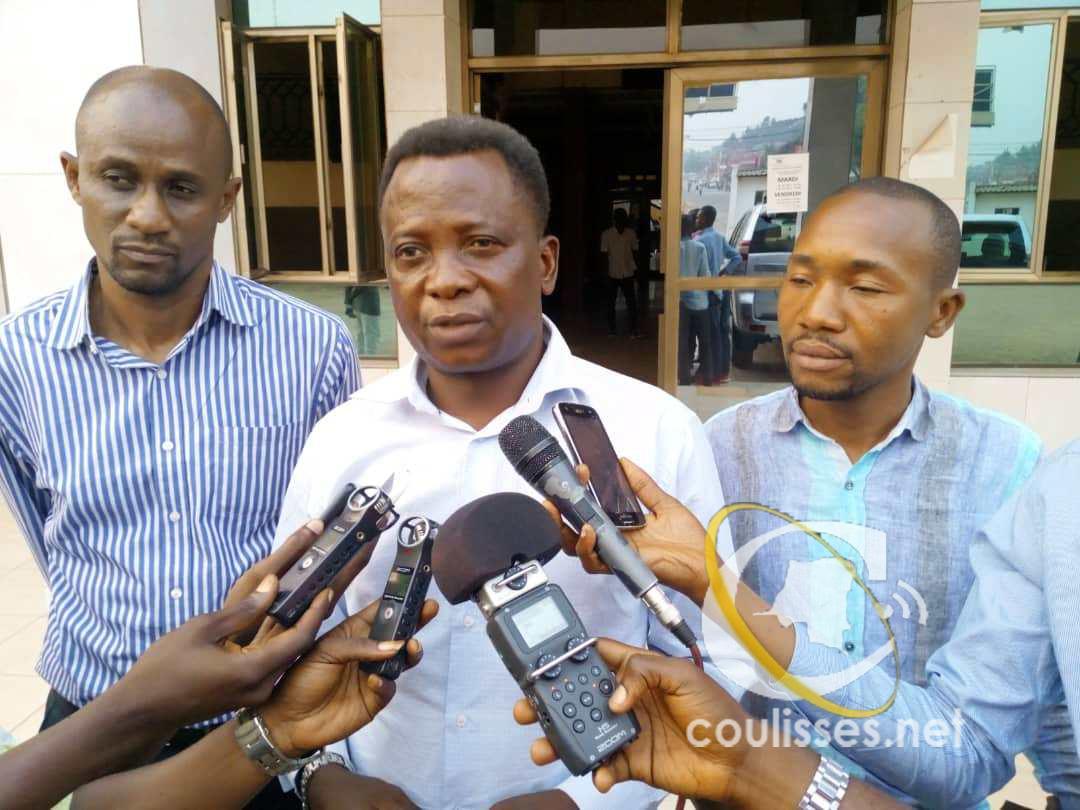 SPORTS : Le gouvernement provincial remet 9 milles dollars pour le déplacement SM. SANGA BALENDA