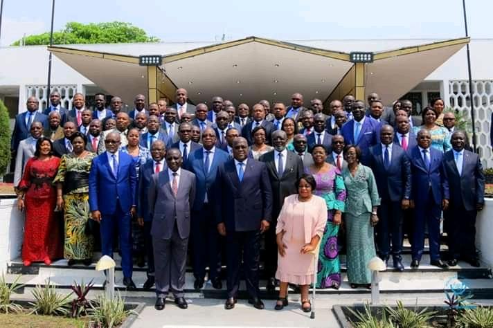 RDC-conseil des ministres : «Ici, il n'y a pas de CACH ni de FCC….Tous, nous sommes appelés à travailler pour l'intérêt du peuple congolais» dixit Tshisekedi