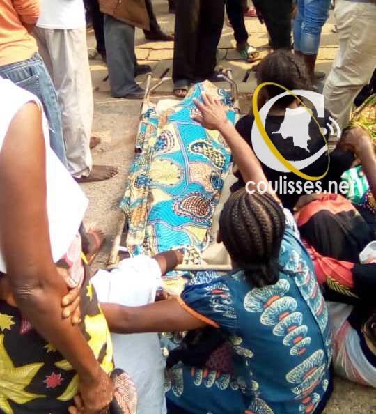 RDC- Kasaï central : Les réfugiés d'Angola reclament leur prise en charge avec un cadavre d'une dame