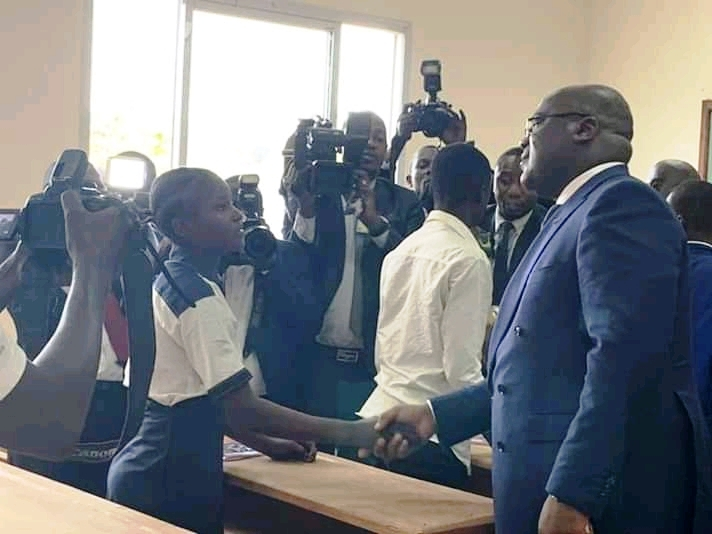 RDC : Tshisekedi visite les écoles et l'hôpital au camp Tshatshi