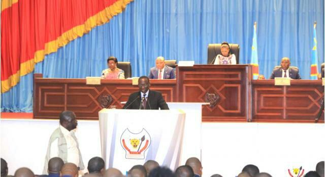 RDC : investiture du gouvernement , Ilunga Ilunkamba répond aux ministres