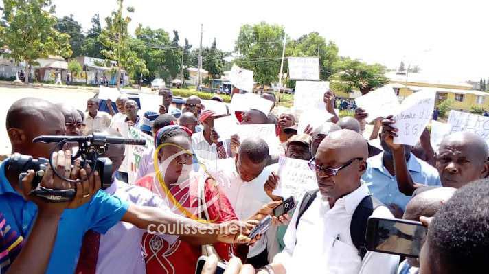 Kasaï oriental : Les ONGDH et les notables de la province marchent aux côtés des agents MIBA pour réclamer le retour de BGM saint Louis