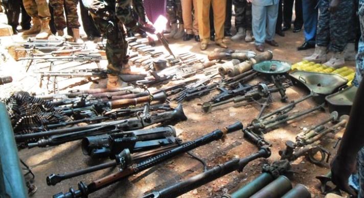 Nord-Kivu : 300 armes récupérées des groupes rebelles présentées