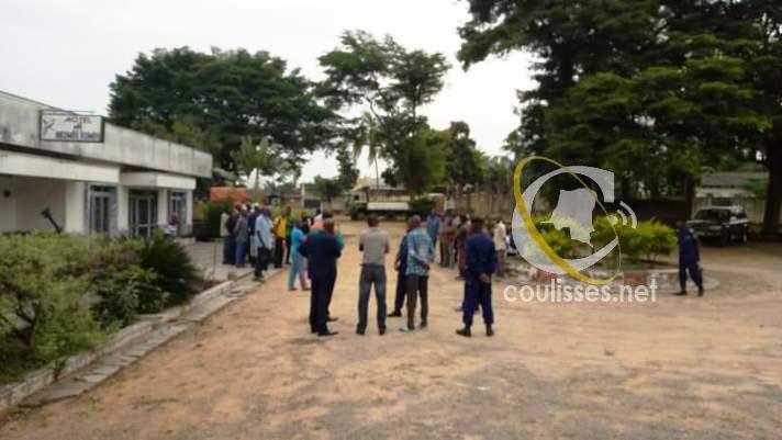 Kasaï oriental : Les  agents de Saint Louis BGM manifestent et réclament 6 mois d'arriéré de salaire