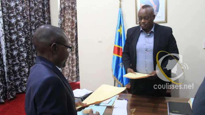 Kasaï oriental : Signature d'un protocole d'accord entre la société Énergie du Congo et J.Maweja pour la construction de la voie de transport du courant de Tubi Tubidi
