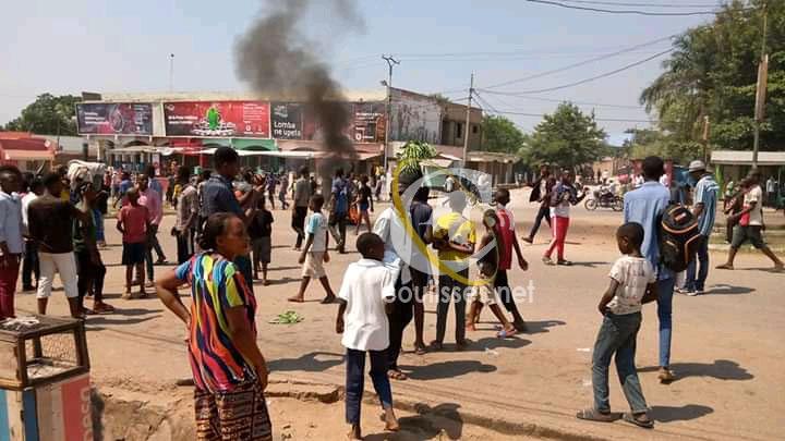 Kasaï oriental : Manifestations des rues sur le boulevard Laurent Désiré Kabila, des pneus brûlés