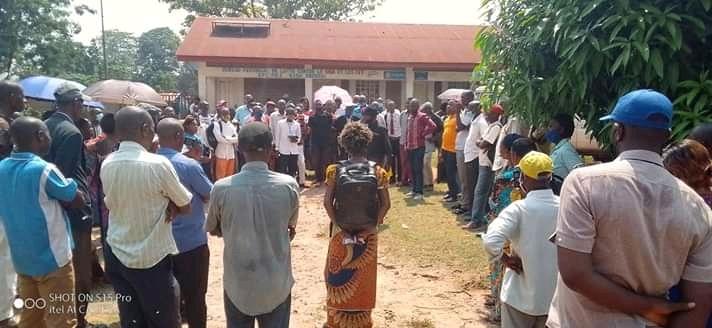 Kasaï oriental : Pas de solution au problème des infirmiers élagués de la liste de paie