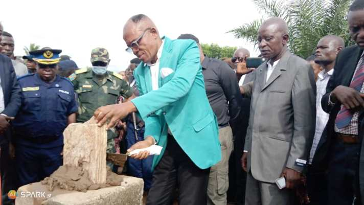 Kasaï oriental : Pose de la première pierre pour la construction du site agro-industriel de Bena Mpoyi