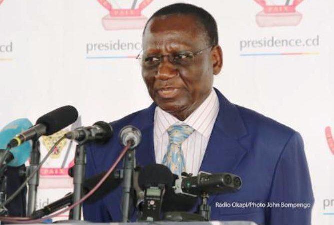 RDC : Ilunkamba sur une chaise éjectable, près de 300 signatures déjà collectées