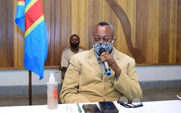 Kasaï oriental : Le gouverneur J. Maweja échange avec les exploitants miniers sur la culture fiscale