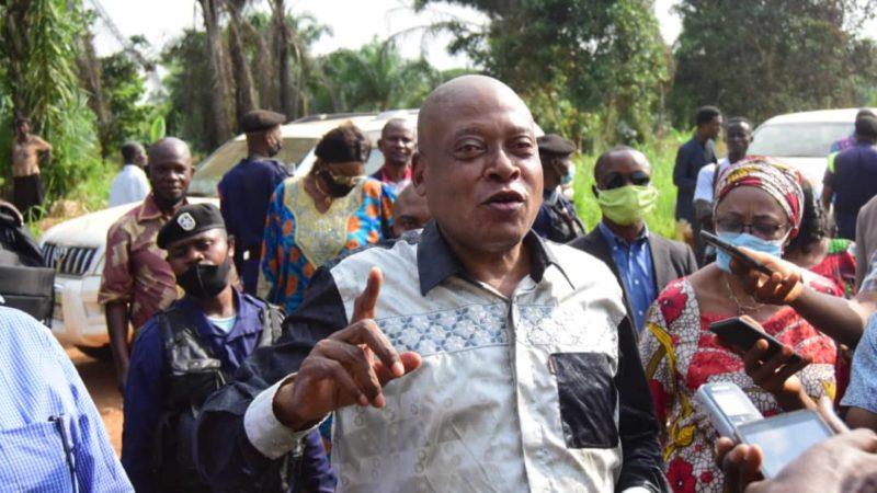 Kasaï Oriental : Steve Mbikayi assiste les sinistrés de Katanda sur fonds propres