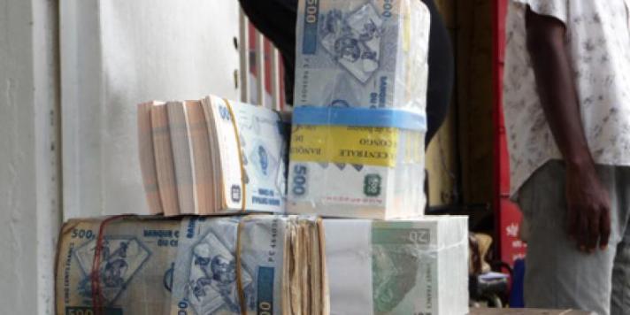 RDC: Le gouvernement constate une stabilité du Franc congolais face au dollar