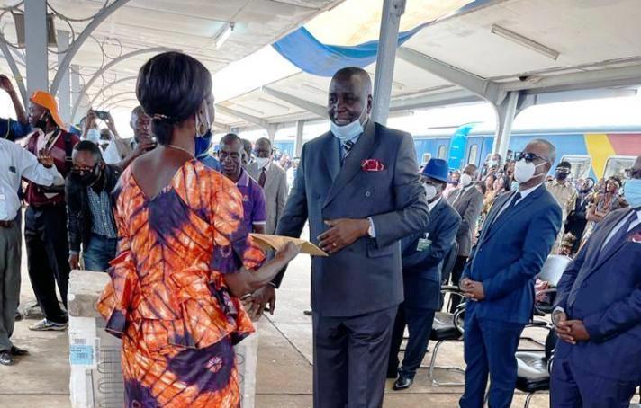 RDC: Didier Mazenga a présidé la cérémonie de mise en retraite des agents et cadres de la SNCC