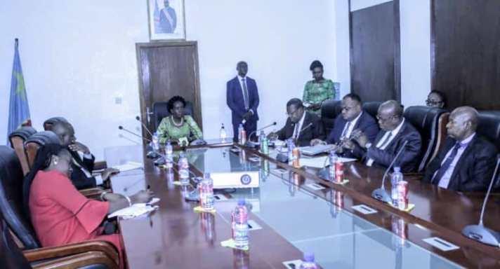 RDC: Lambert Mende souhaite un appui institutionnel des Lignes maritimes congolaises dans l'atteinte de leurs objectifs