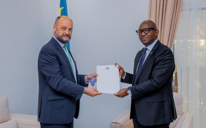 RDC: le Premier ministre Sama Lukonde reçoit l'ambassadeur belge Jo Indekeu