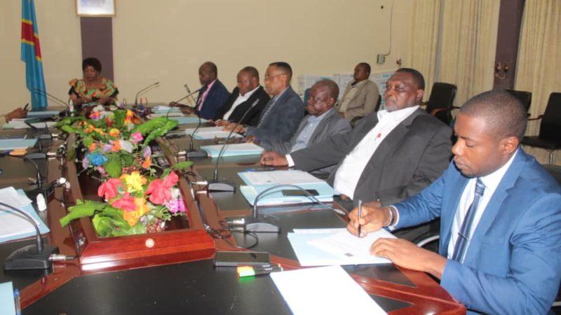 Kasaï oriental : Les membres du gouvernement autorisent la réquisition de la PNC pour le recouvrement forcé