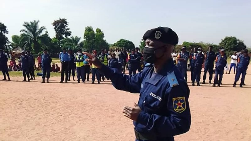 Kasaï oriental : Parade au commissariat territorial de Miabi, la police invitée à l'ordre