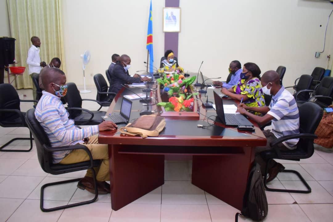 Kasaï oriental : 32 cas de Covid19 dont 8 morts, Longa Muswamba réunit le comité de riposte
