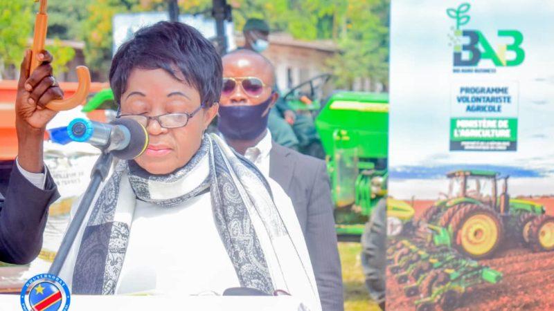 Kasaï oriental : Jeannette Longa promet de contribuer à la production de 3300 tonnes des maïs à la saison agricole 2021-2022