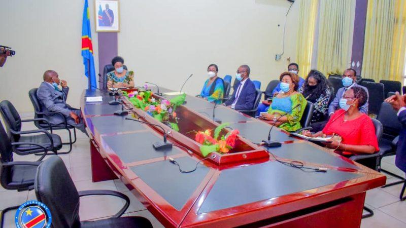 Kasaï oriental : La mutuelle de santé des enseignants annonce à  Jeannette Longa  l'identification à l'EPST