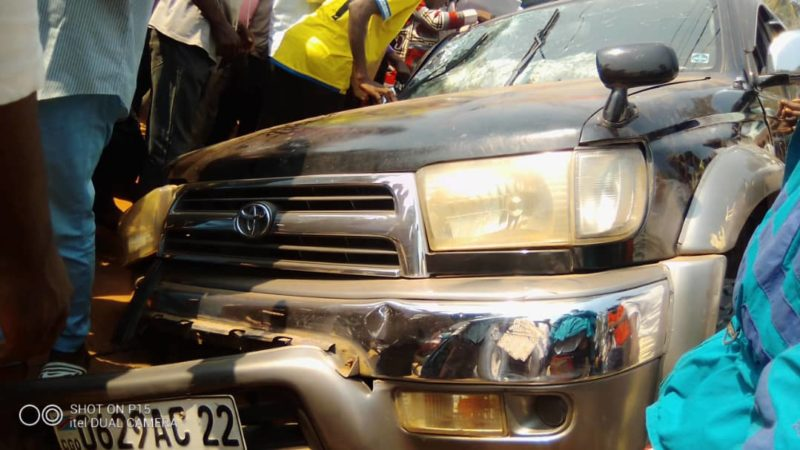 Kasaï Oriental: Une jeep finit sa course dans un caniveau