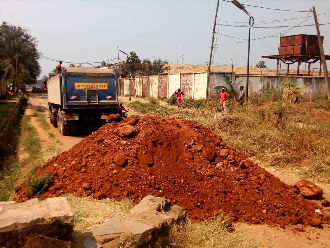Kasaï oriental : Les travaux du projet TSHILEJELU ont débuté sur l'avenue Lumumba