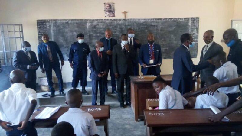 RDC-Lomami/EPST : Plus de 70 milles finalistes inscrits, le Gouverneur ai Édouard Mulumba a lancé l'épreuve