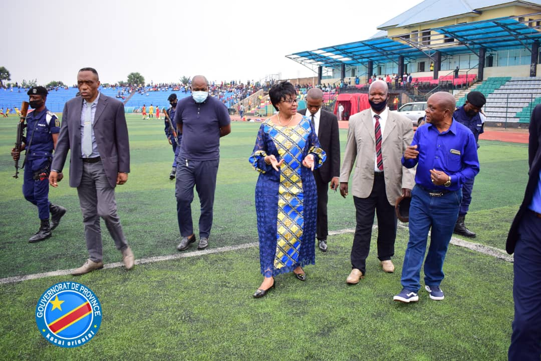 SPORTS : Jeannette Longa visite le stade Kashala Bonzola avant le début des compétitions