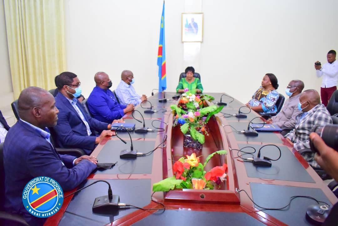 Kasaï oriental : Le ministre de développement rural en mission d'évaluation et d'inauguration des infrastructures de PRISE