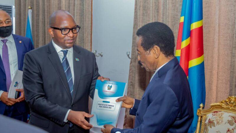 RDC : Sama Lukonde dépose le projet de loi de finances 2022 à l'assemblée nationale
