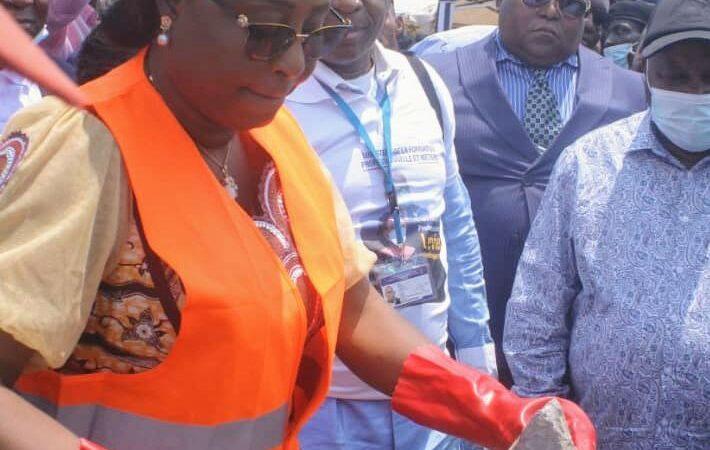 Kasaï Oriental : la ministre Kipulu pose la première pierre pour la construction d'un centre de formation professionnelle et métiers à Tshipuka