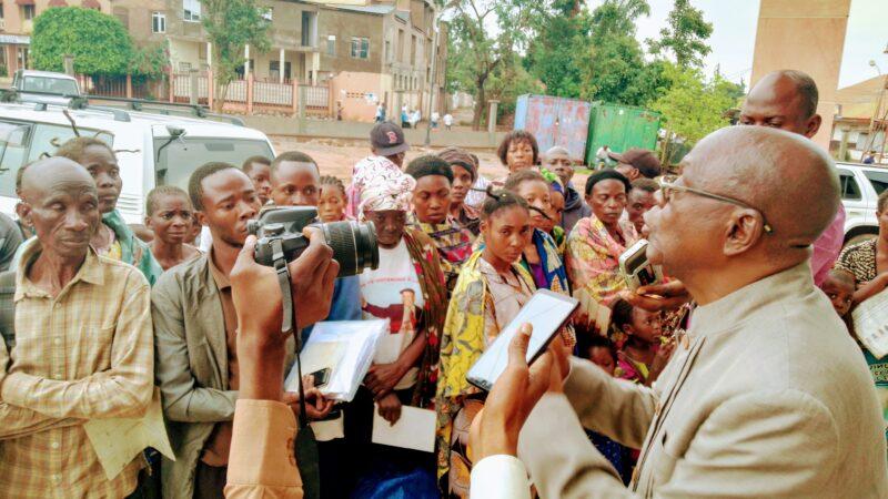 Kasaï Oriental : 33 familles des refoulés d'Angola reçoivent l'assistance du gouvernement provincial avec restriction de ne plus revenir