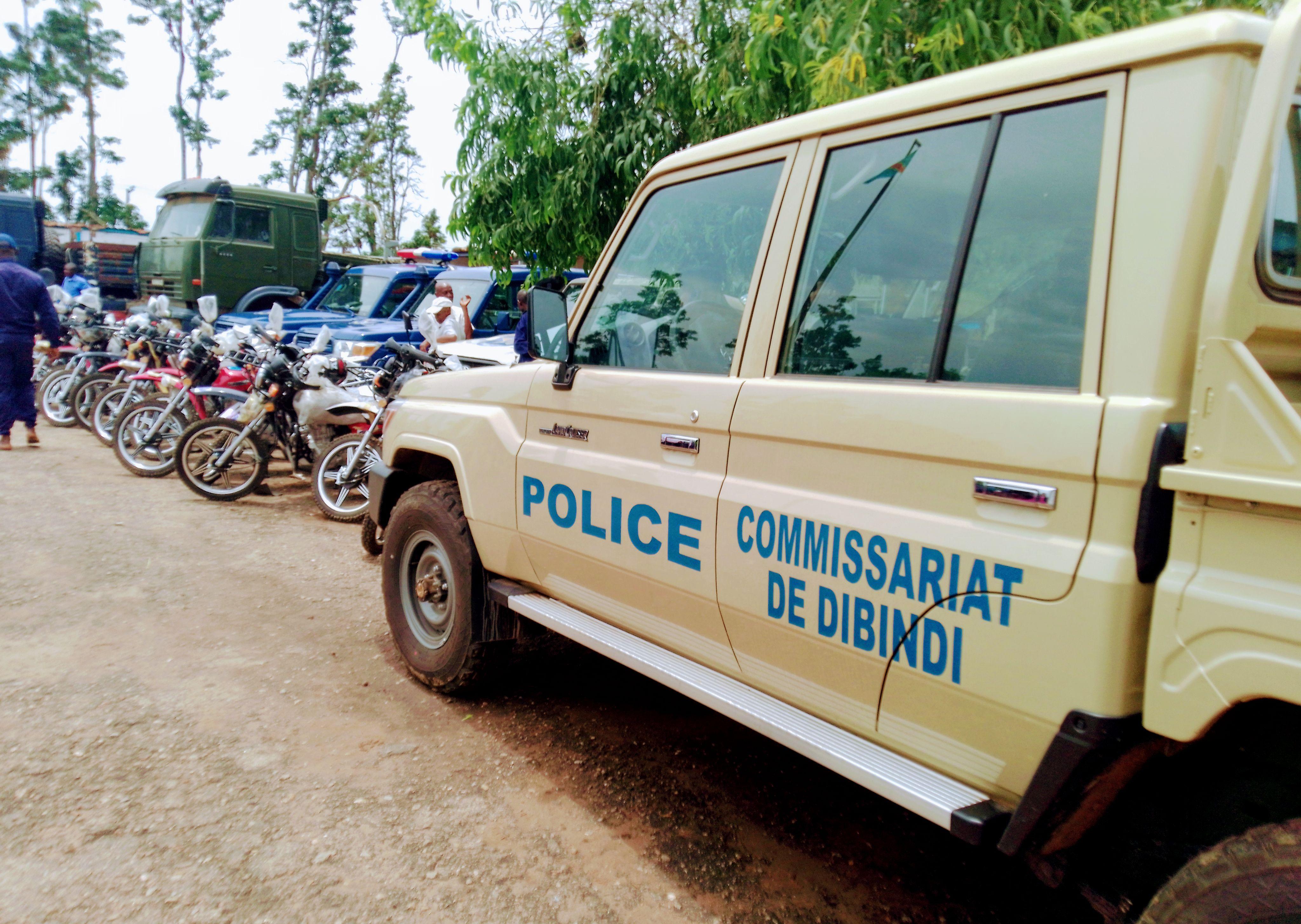 Kasaï Oriental : 22 motos et une jeep don de l'OIM remis au Commissariat de référence de la police de Dibindi