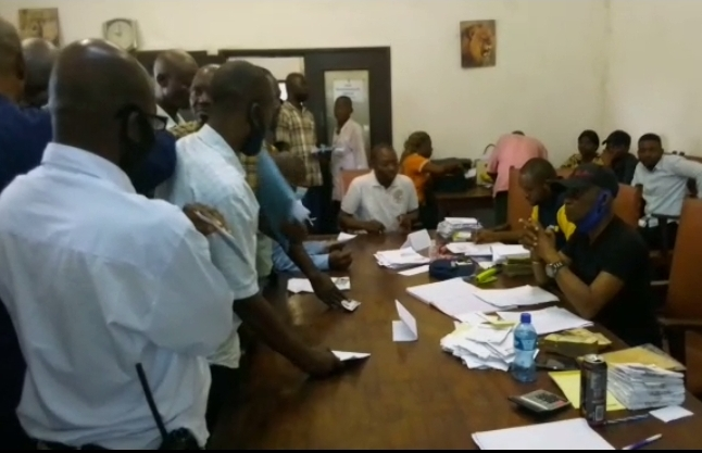 Kasaï Oriental : les agents et travailleurs Miba perçoivent leur paie mensuelle