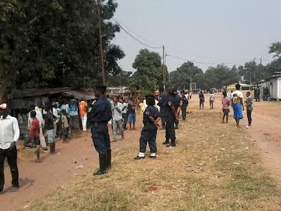 Kasaï Oriental : un policier abat une femme et se fait brûler vif par la population à Mpanda
