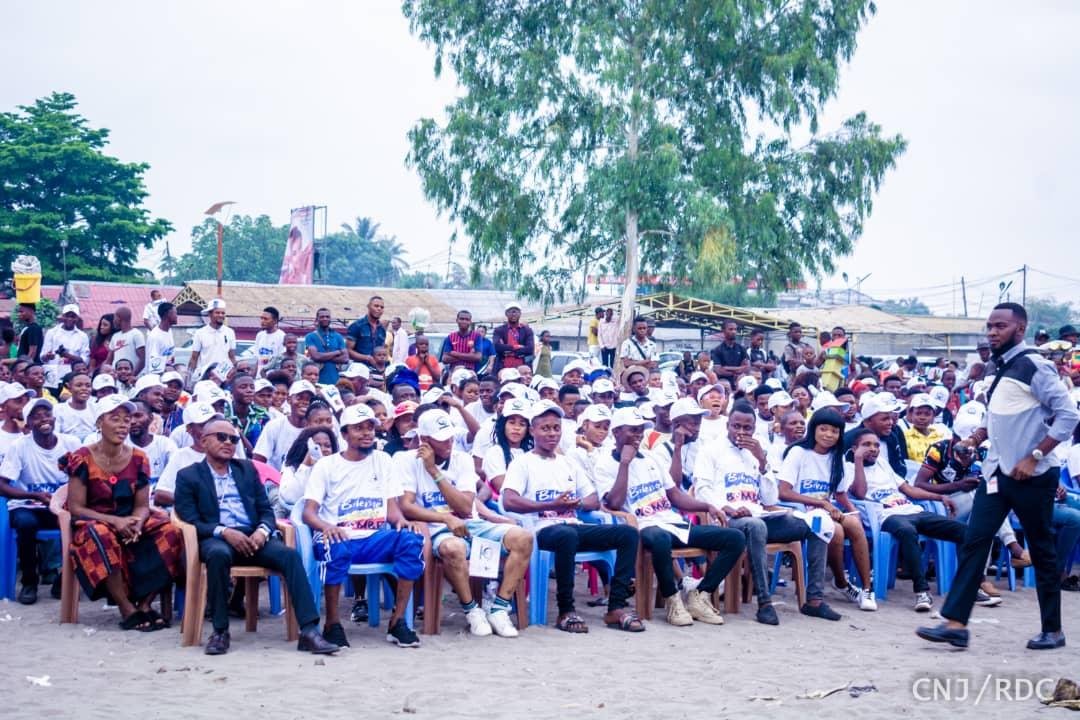 RDC : le président du CNJ sensibilise les jeunes de la N'Sele contre la consommation de la Bombé