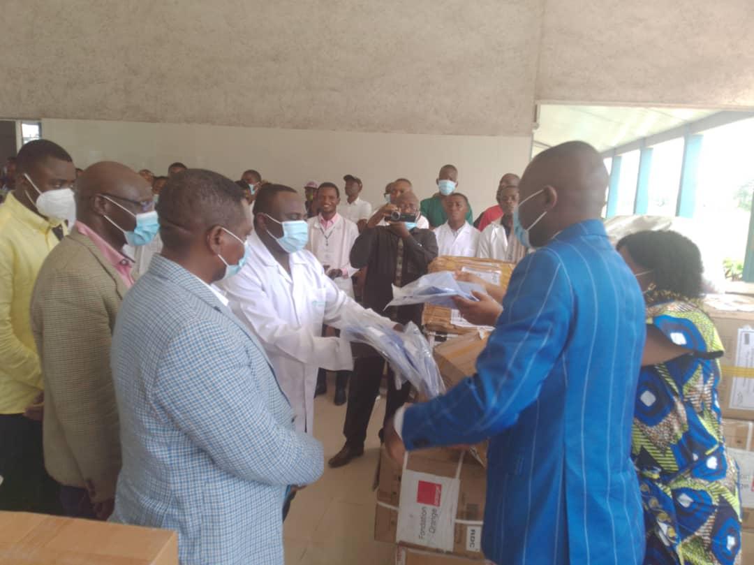 Kasaï oriental : remise des médicaments et  équipements de protection individuelle à l'hôpital Dipumba et au centre de traitement de Covid19